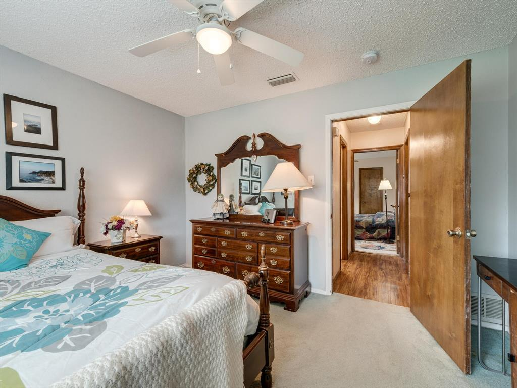 425 Mountainview Drive, Hurst, Texas 76054 - acquisto real estate best realtor foreclosure real estate mike shepeherd walnut grove realtor