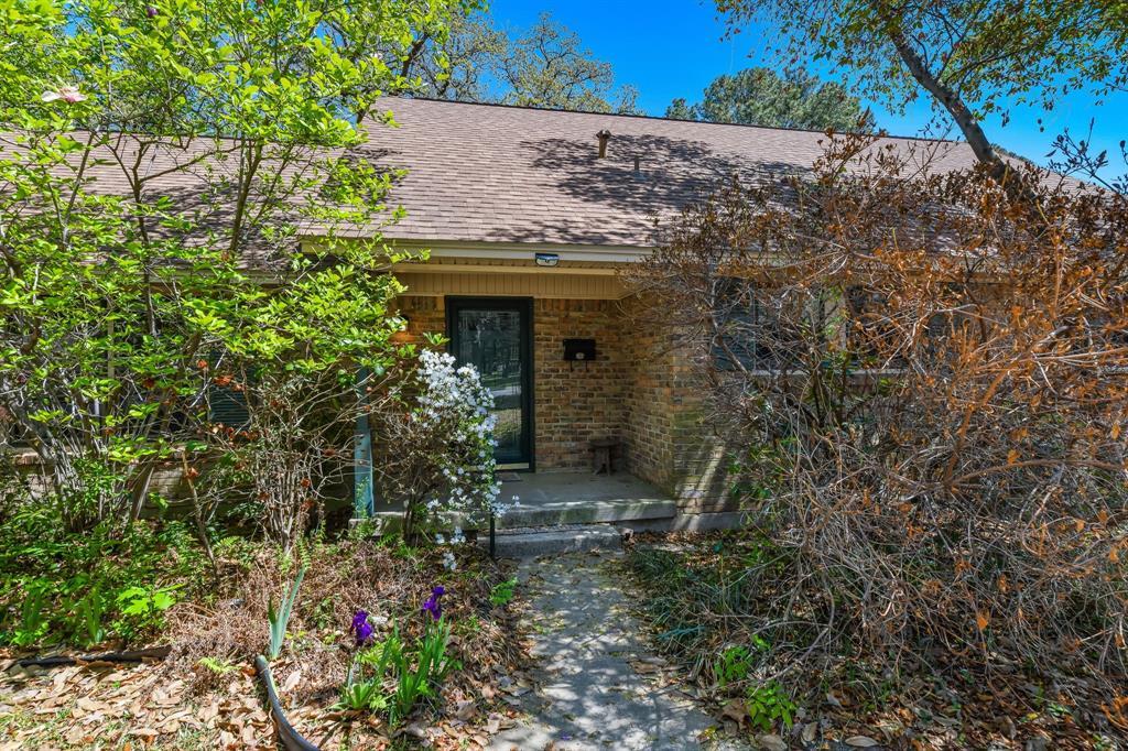2428 Oakridge Street, Denton, Texas 76209 - acquisto real estate best frisco real estate agent amy gasperini panther creek realtor