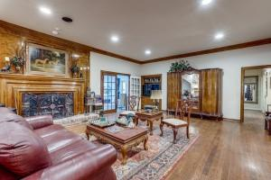 9631 Hilldale  Drive, Dallas, Texas 75231 - acquisto real estate best celina realtor logan lawrence best dressed realtor