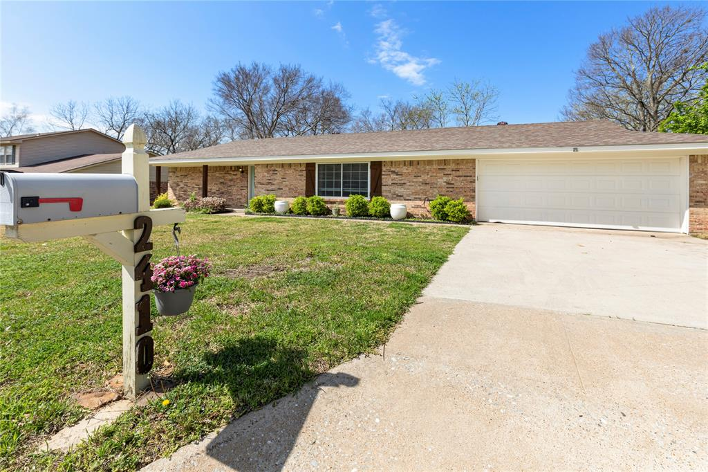 2410 Ridgewood Drive, Sherman, Texas 75092 - acquisto real estate best frisco real estate broker in texas for high net worth buyers