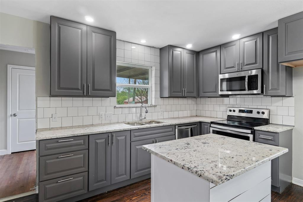 208 Elm  Street, Kemp, Texas 75143 - acquisto real estate best real estate company to work for