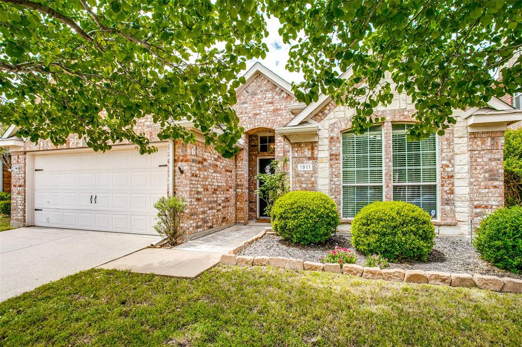1911 Chittam Drive, Euless, Texas 76039 - Acquisto Real Estate best frisco realtor Amy Gasperini 1031 exchange expert