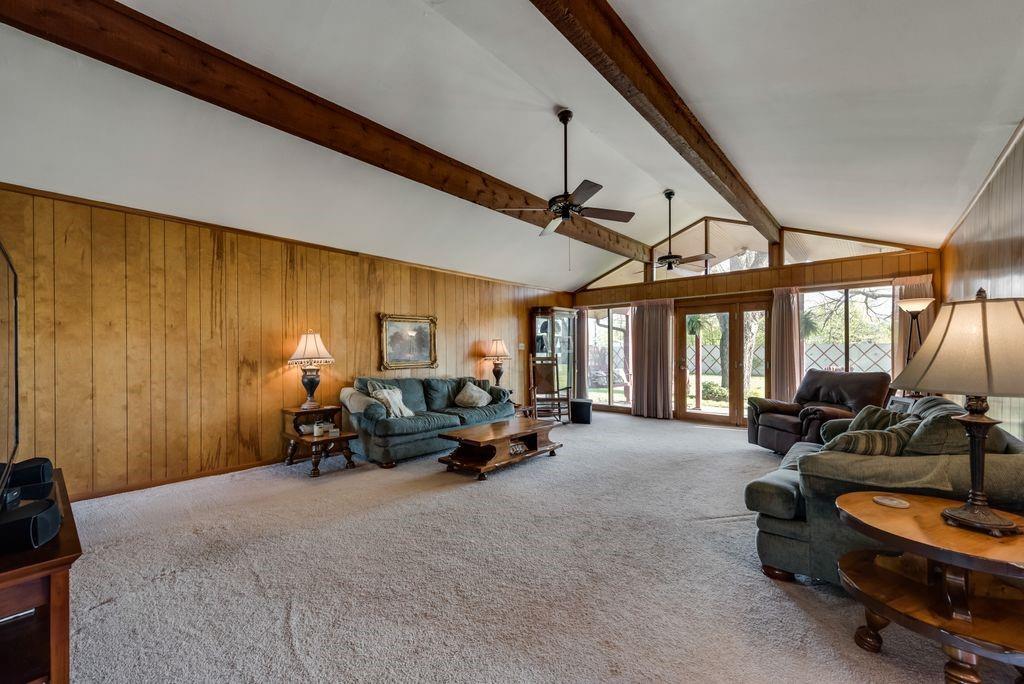 221 Laurel Lane, Fairfield, Texas 75840 - acquisto real estate best highland park realtor amy gasperini fast real estate service
