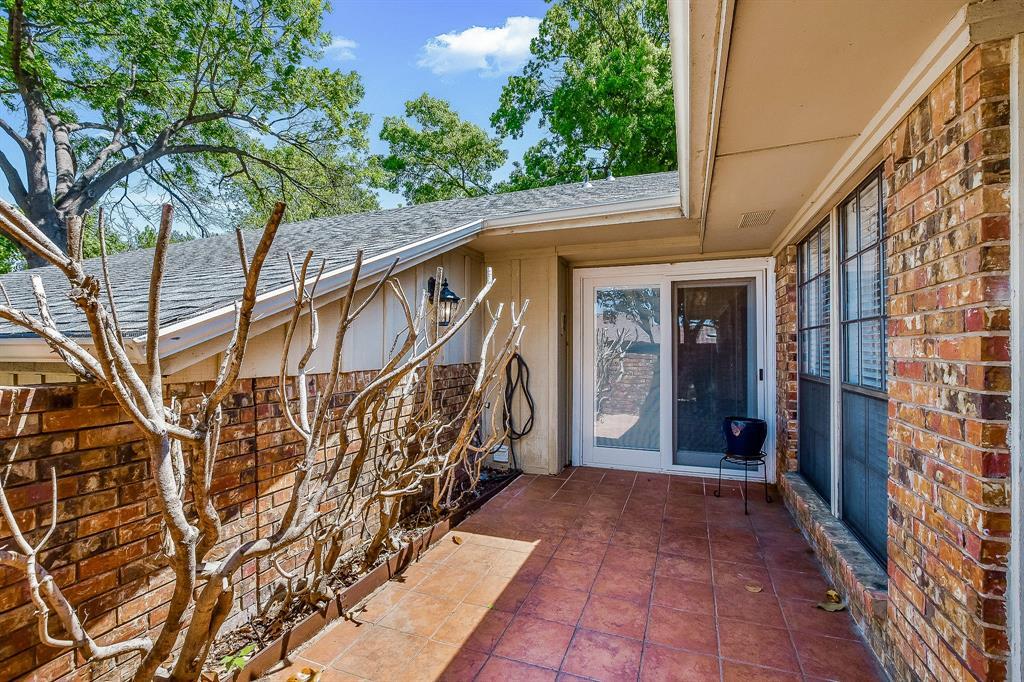 2820 Prescott  Drive, Carrollton, Texas 75006 - acquisto real estate agent of the year mike shepherd