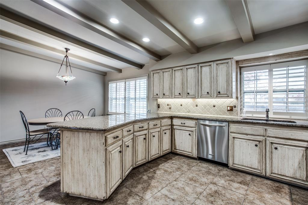 11256 Russwood Circle, Dallas, Texas 75229 - acquisto real estate best listing agent in the nation shana acquisto estate realtor