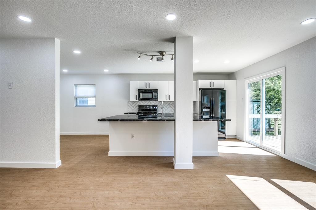 1434 Oak Cliff  Boulevard, Dallas, Texas 75208 - acquisto real estate best designer and realtor hannah ewing kind realtor