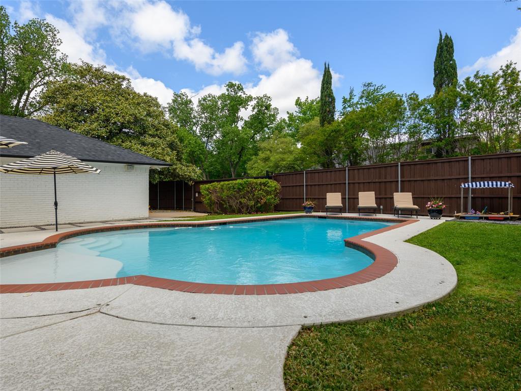 6807 Truxton  Drive, Dallas, Texas 75231 - acquisto real estate best frisco real estate agent amy gasperini panther creek realtor