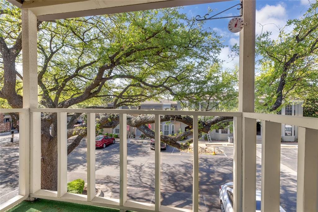 5925 Copperwood  Lane, Dallas, Texas 75248 - acquisto real estate best new home sales realtor linda miller executor real estate