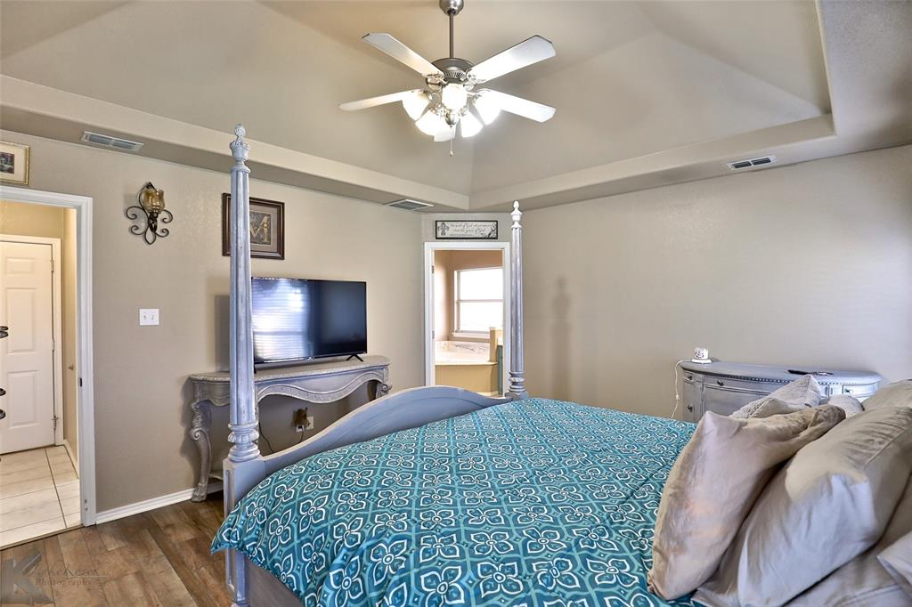 5118 Holly Way, Abilene, Texas 79606 - acquisto real estate best investor home specialist mike shepherd relocation expert