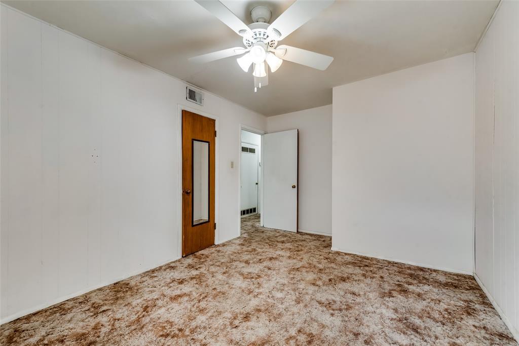 424 Hurstview Drive, Hurst, Texas 76053 - acquisto real estate best frisco real estate agent amy gasperini panther creek realtor