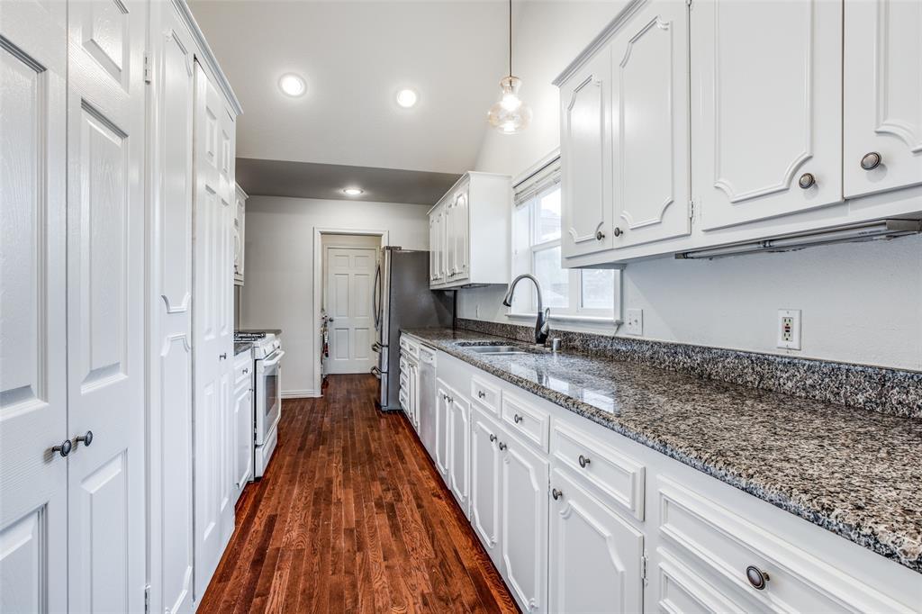 10473 Coleridge  Street, Dallas, Texas 75218 - acquisto real estate best real estate company in frisco texas real estate showings