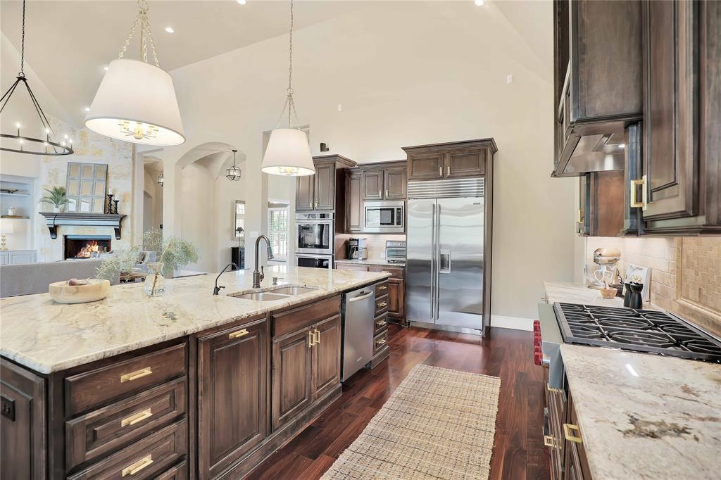 780 Whispering  Way, Prosper, Texas 75078 - acquisto real estate best realtor foreclosure real estate mike shepeherd walnut grove realtor