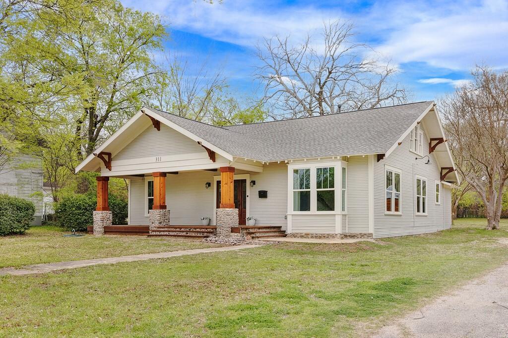 311 Pacific Avenue, Terrell, Texas 75160 - acquisto real estate best allen realtor kim miller hunters creek expert