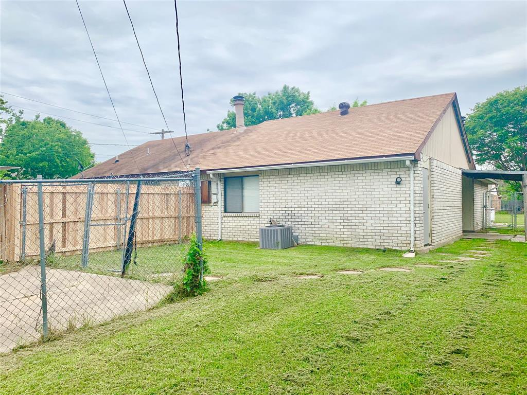 312 Navarro  Lane, Grand Prairie, Texas 75052 - acquisto real estate best realtor dfw jody daley liberty high school realtor