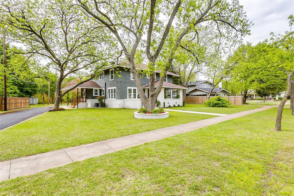 415 Featherston  Street, Cleburne, Texas 76033 -