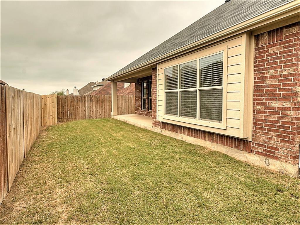 1212 INGLEWOOD  Drive, Mansfield, Texas 76063 - acquisto real estate best negotiating realtor linda miller declutter realtor