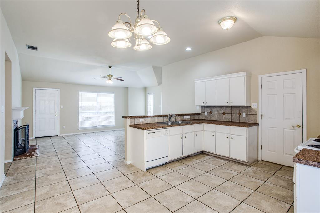 10632 Shadywood  Drive, Fort Worth, Texas 76140 - acquisto real estate best real estate company to work for