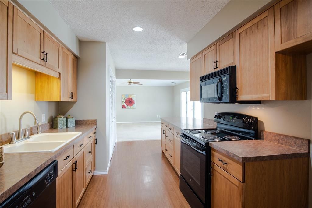 7413 Rhonda  Court, Watauga, Texas 76148 - acquisto real estate best highland park realtor amy gasperini fast real estate service
