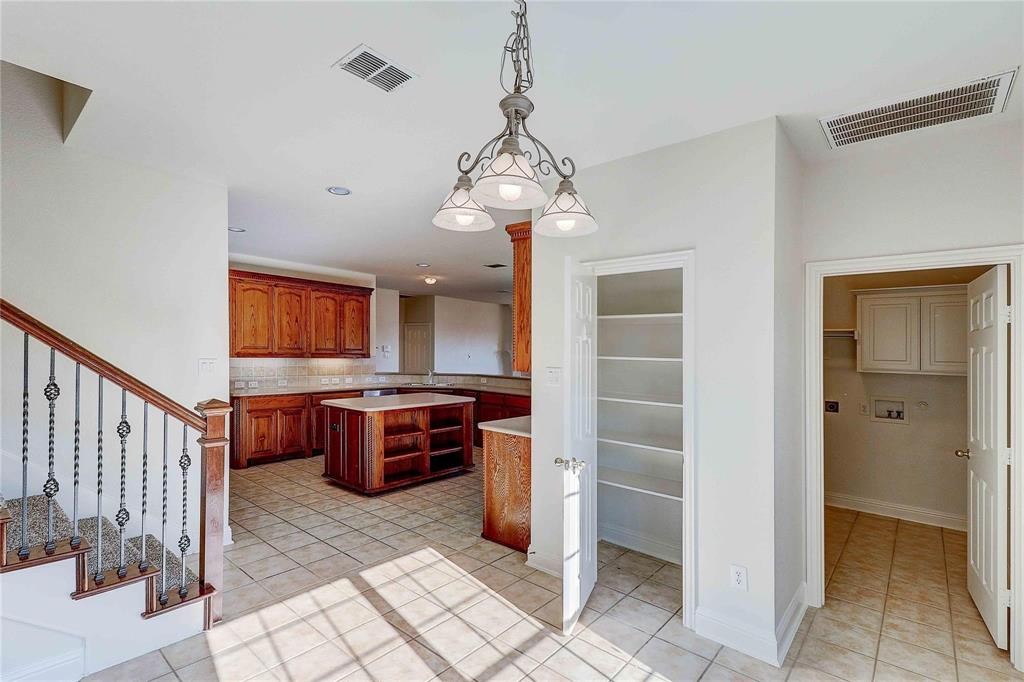 8910 Forest Hills Drive, Irving, Texas 75063 - acquisto real estate best style realtor kim miller best real estate reviews dfw