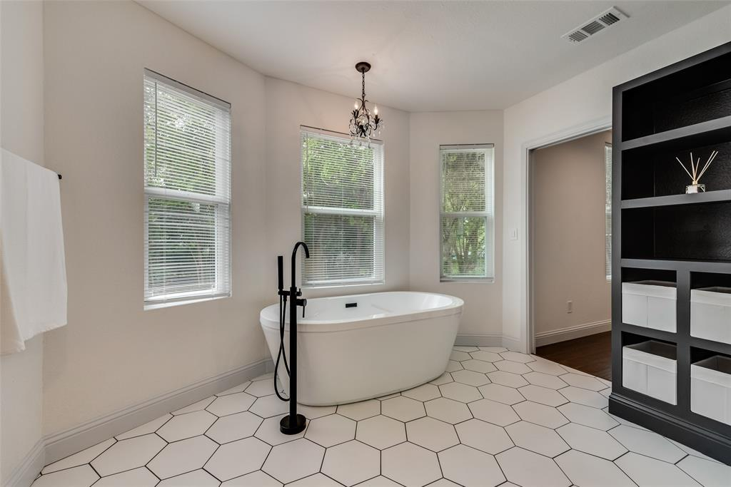 303 S. Walker  Street, Dallas, Texas 75149 - acquisto real estate best real estate company to work for