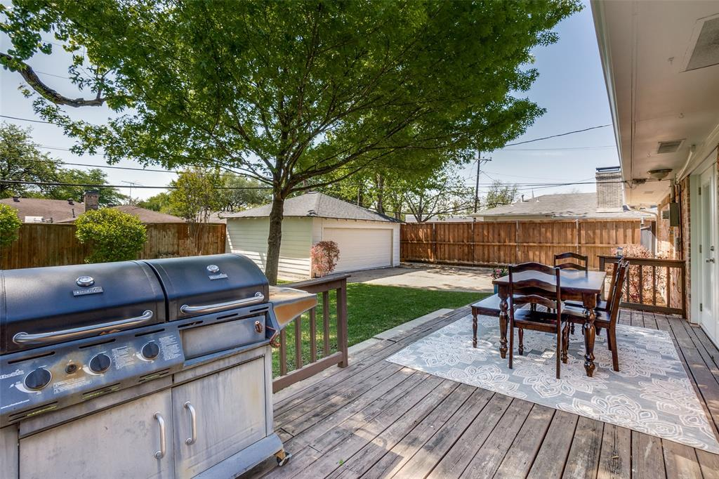 6844 Town North  Drive, Dallas, Texas 75231 - acquisto real estate best realtor foreclosure real estate mike shepeherd walnut grove realtor