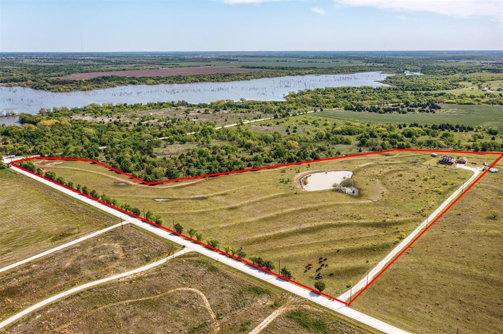252 Emberson Ranch  Road, Pilot Point, Texas 76258 - acquisto real estate best real estate follow up system katy mcgillen