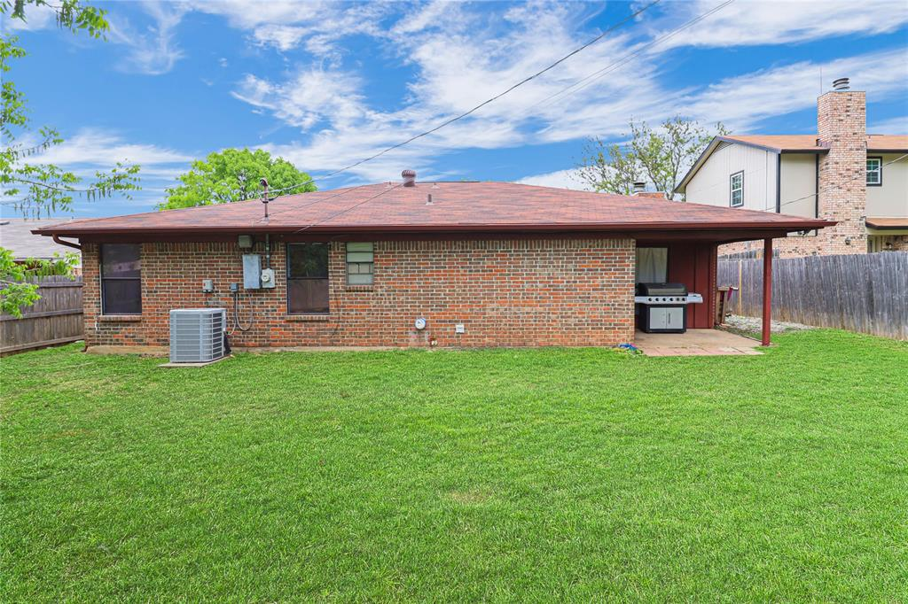 3741 Misty Meadow  Drive, Fort Worth, Texas 76133 - acquisto real estate best realtor foreclosure real estate mike shepeherd walnut grove realtor
