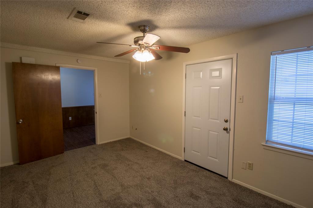 1814 Santa Cruz  Court, Grand Prairie, Texas 75051 - acquisto real estate best real estate company in frisco texas real estate showings