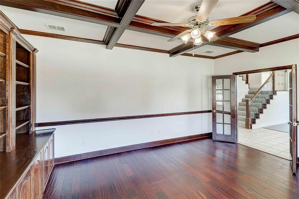 8910 Forest Hills Drive, Irving, Texas 75063 - acquisto real estate best highland park realtor amy gasperini fast real estate service