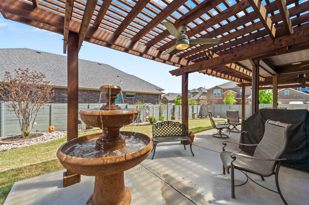 200 Oakmont Drive, Northlake, Texas 76226 - acquisto real estate best frisco real estate agent amy gasperini panther creek realtor
