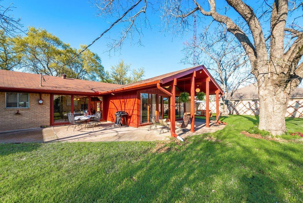 221 Laurel Lane, Fairfield, Texas 75840 - acquisto real estate best luxury home specialist shana acquisto