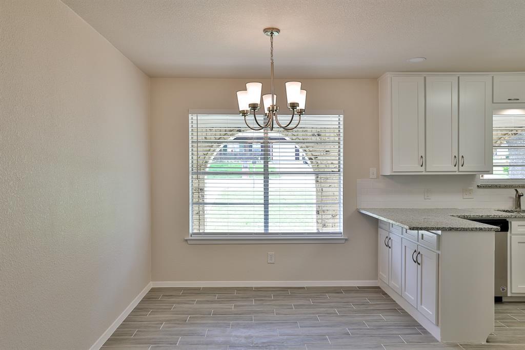 200 Lochness  Lane, Benbrook, Texas 76126 - acquisto real estate best highland park realtor amy gasperini fast real estate service