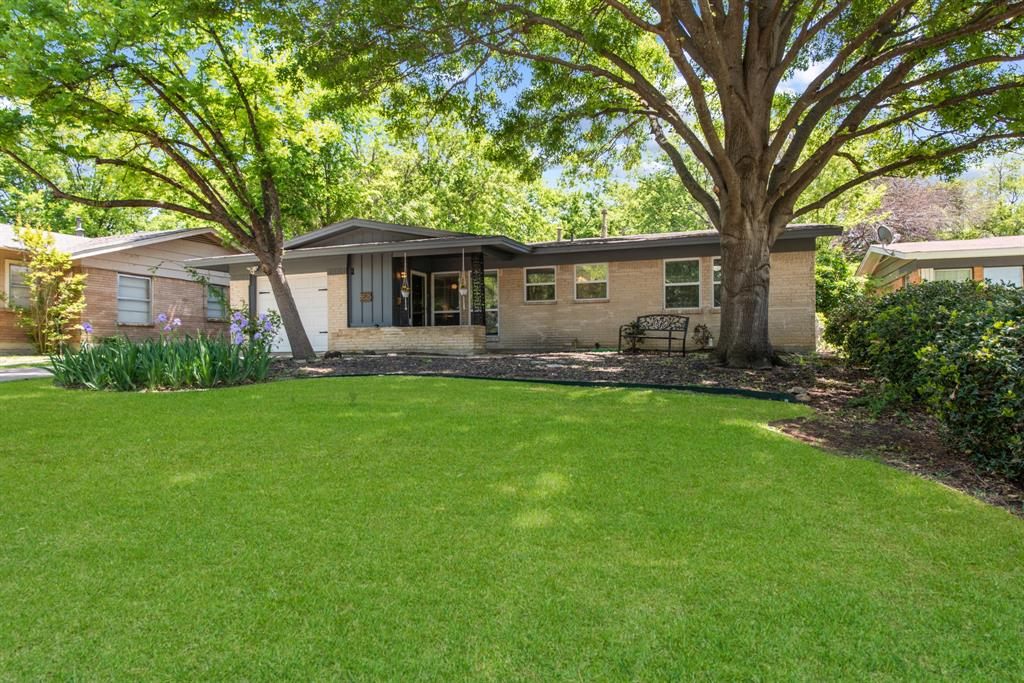 5525 Winifred  Drive, Fort Worth, Texas 76133 - Acquisto Real Estate best plano realtor mike Shepherd home owners association expert