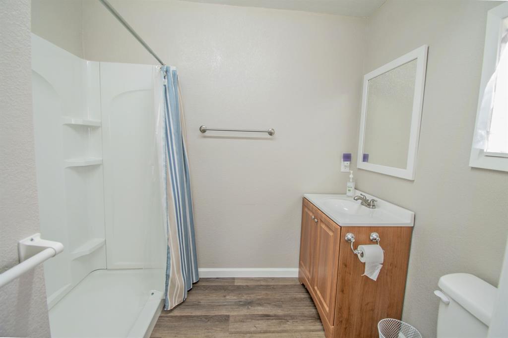 104 Oak Lane, Burleson, Texas 76028 - acquisto real estate best photo company frisco 3d listings