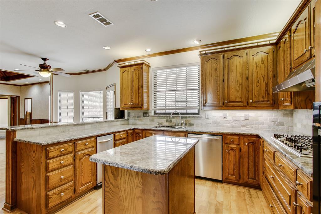3904 Gettysburg Circle, Plano, Texas 75023 - acquisto real estate best listing agent in the nation shana acquisto estate realtor