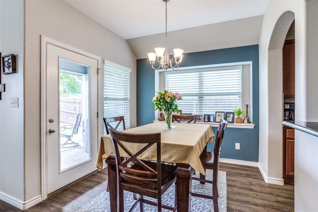 2924 Greenway  Drive, Burleson, Texas 76028 - acquisto real estate best listing agent in the nation shana acquisto estate realtor
