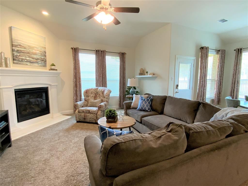 1812 Spinnaker Drive, Denton, Texas 76210 - acquisto real estate best real estate company to work for