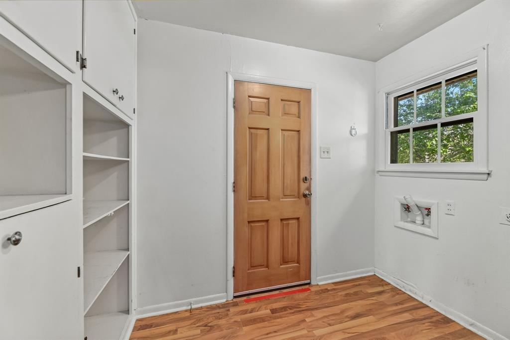 2428 Oakridge Street, Denton, Texas 76209 - acquisto real estate best highland park realtor amy gasperini fast real estate service