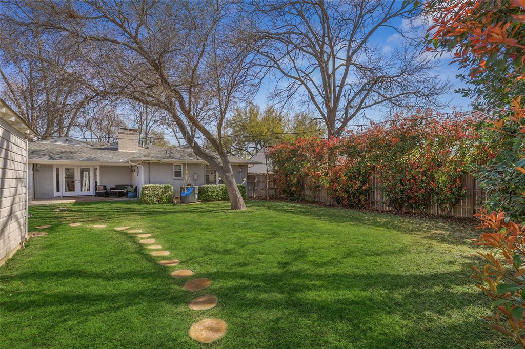 6222 Crestmont Drive, Dallas, Texas 75214 - acquisto real estate best frisco real estate agent amy gasperini panther creek realtor
