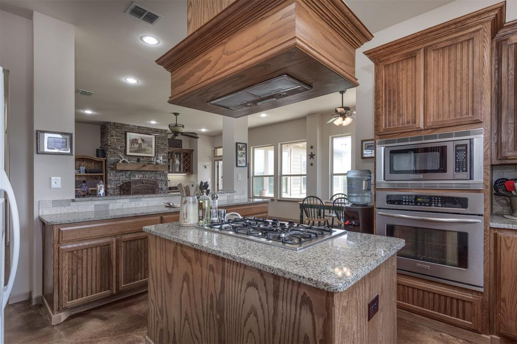 252 Emberson Ranch  Road, Pilot Point, Texas 76258 - acquisto real estate best style realtor kim miller best real estate reviews dfw