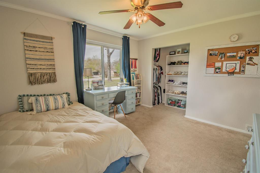 104 Oak Lane, Burleson, Texas 76028 - acquisto real estaet best boutique real estate firm in texas for high net worth sellers