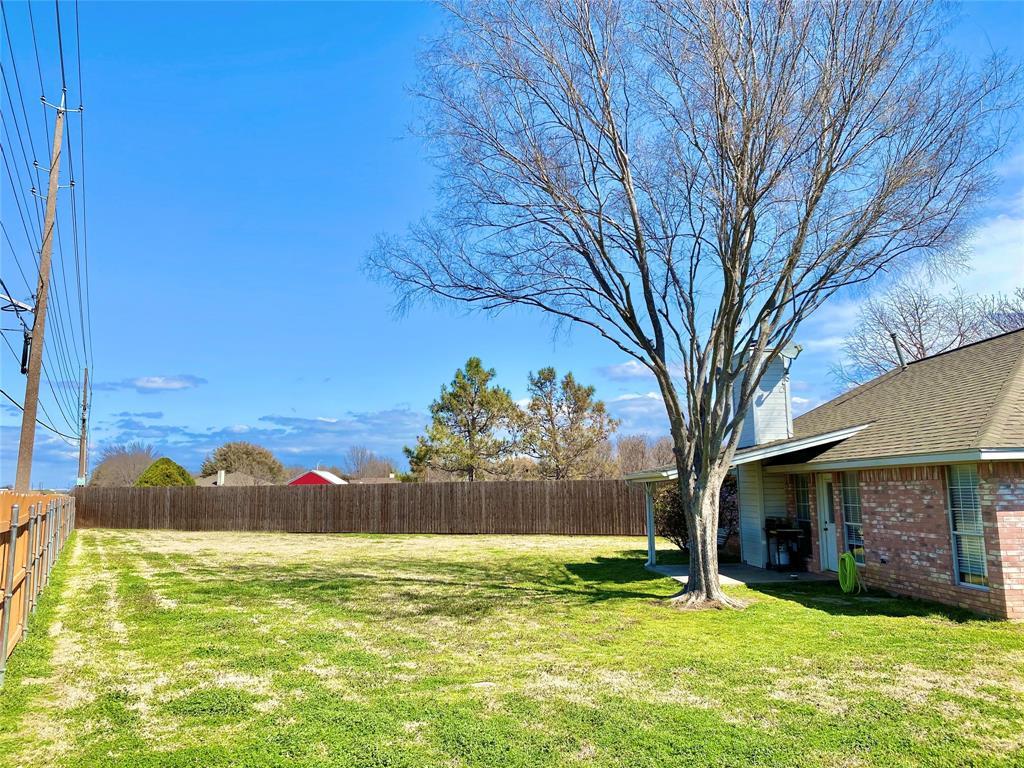 3351 Ashley Circle, Denton, Texas 76207 - acquisto real estate best designer and realtor hannah ewing kind realtor