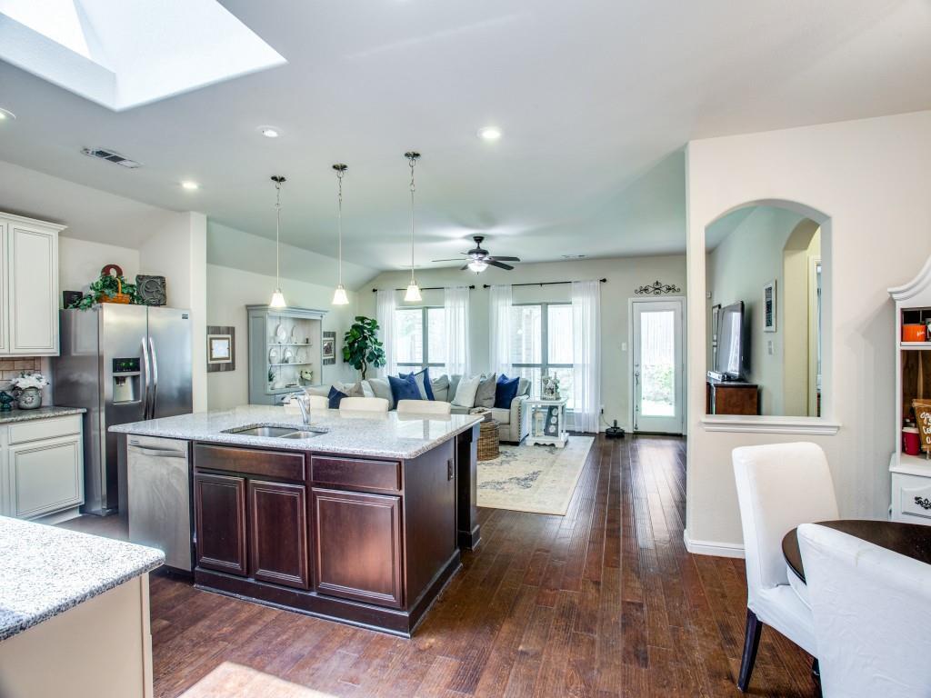 10413 Turning Leaf  Trail, Fort Worth, Texas 76131 - acquisto real estate best prosper realtor susan cancemi windfarms realtor