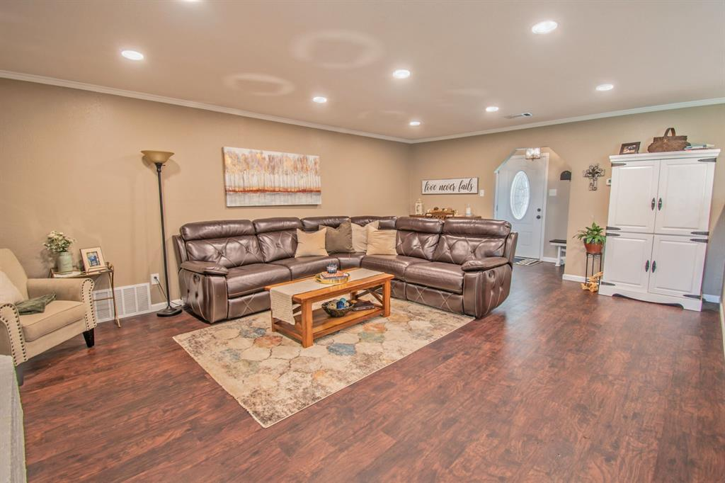 104 Oak Lane, Burleson, Texas 76028 - acquisto real estate best flower mound realtor jody daley lake highalands agent of the year