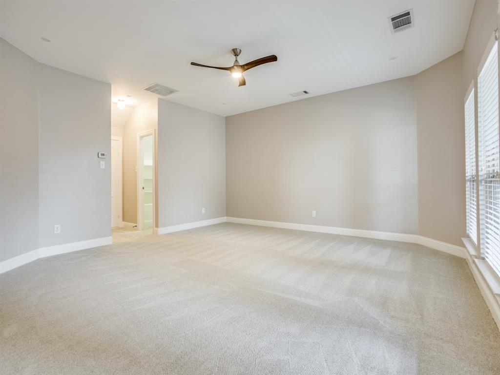 5761 Headquarters Drive, Plano, Texas 75024 - acquisto real estate best realtor foreclosure real estate mike shepeherd walnut grove realtor