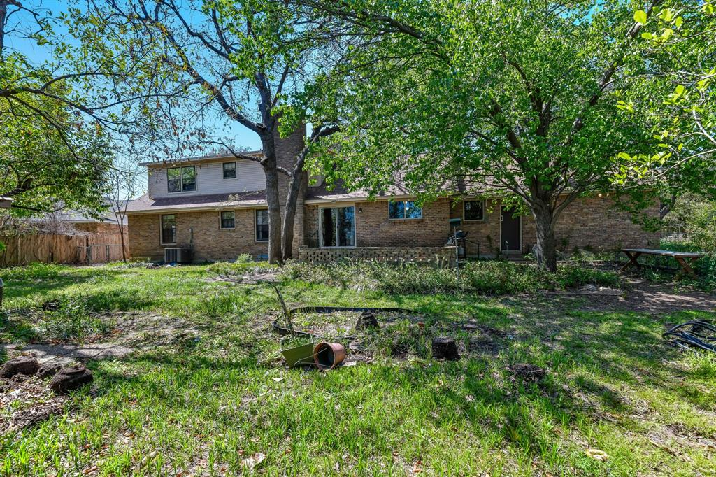 2428 Oakridge Street, Denton, Texas 76209 - acquisto real estate best negotiating realtor linda miller declutter realtor