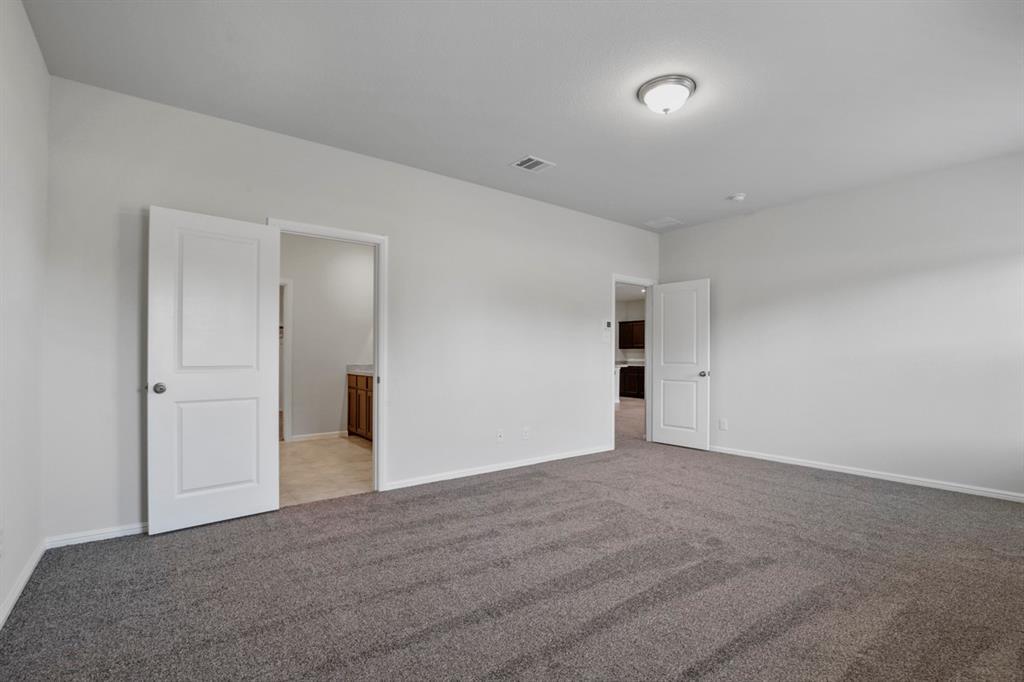 9352 HERRINGBONE Drive, Fort Worth, Texas 76131 - acquisto real estate best designer and realtor hannah ewing kind realtor