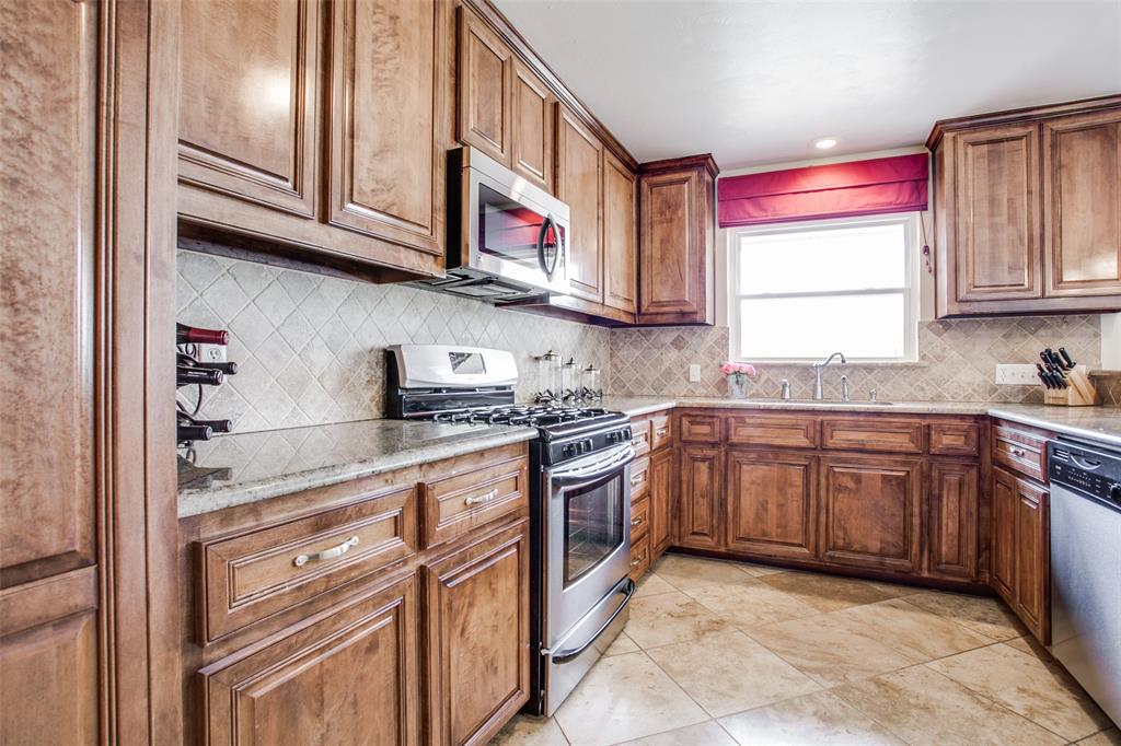 10005 Lakedale Drive, Dallas, Texas 75218 - acquisto real estate best real estate company to work for