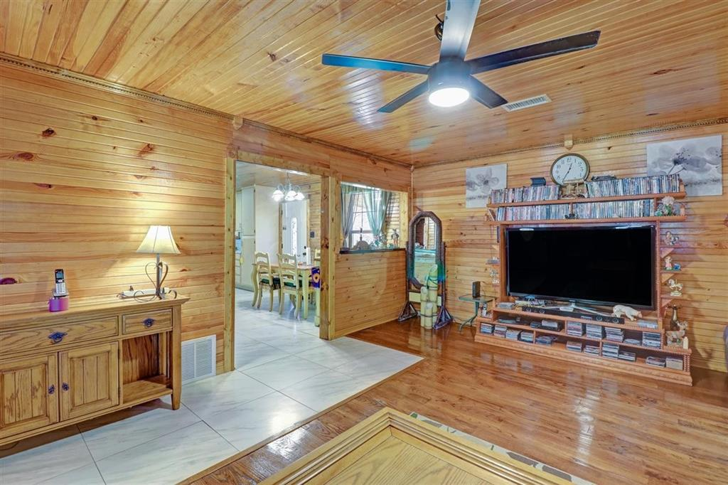 925 Hemlock Drive, West Tawakoni, Texas 75474 - acquisto real estate best new home sales realtor linda miller executor real estate