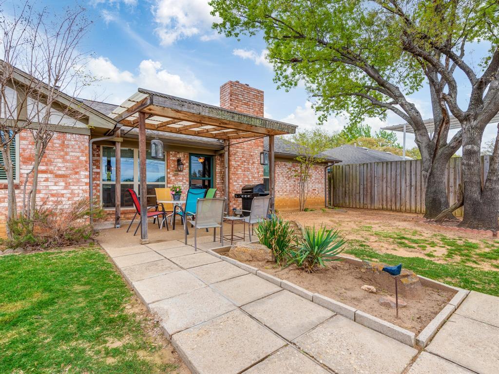 425 Mountainview Drive, Hurst, Texas 76054 - acquisto real estate best negotiating realtor linda miller declutter realtor